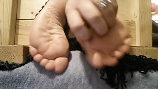 Amateur wife Socks to Bare Tickling