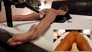 AMATEUR WIFE FUCKS STRYKER DILDO MACHINE FOOT LOVERS VIEW AND CLOSE UP