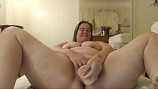 Chubby housewife with spankable butt and phat pussy