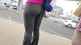 Delicious butts milfs in tight leggings