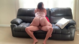 Cheating wife fucks neighbor while hubby is on the way home