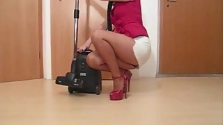 Housewife in too short miniskirt cleaning upskirt thong flashing !