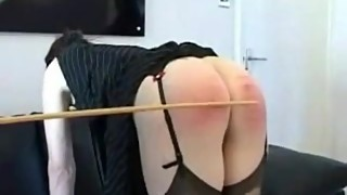 Housewife spanking - 50 schwere Stockhiebe